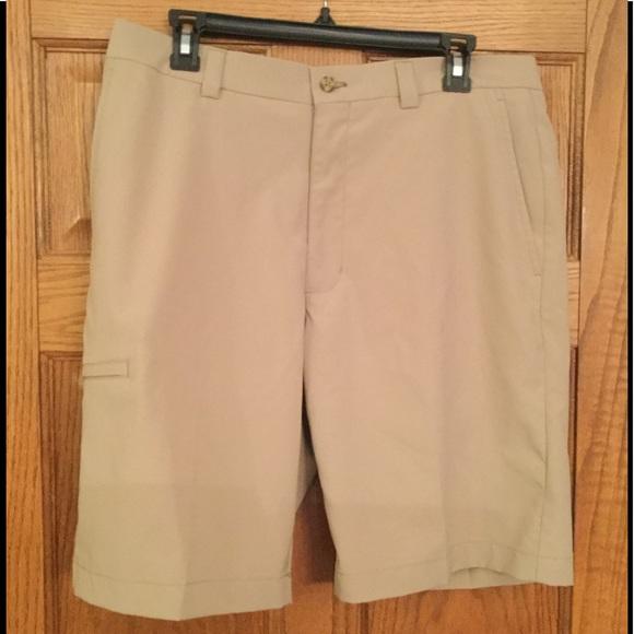 Roundtree /& Yorke Shorts Men/'s 32 NWT Light Khaki Classic Fit Pleated Front